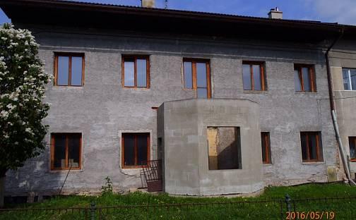 Prodej domu 313 m², 144, Močovice