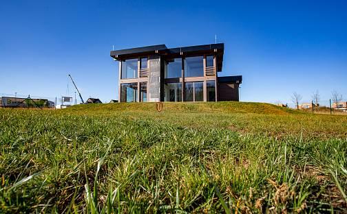 Prodej domu 257 m² s pozemkem 987 m², V Hlinišťatech, Vysoký Újezd, okres Beroun