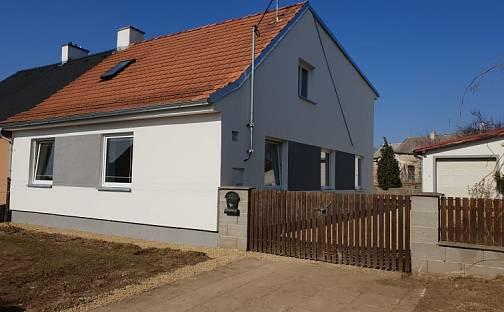 Prodej domu s pozemkem 636 m², Velký Karlov, okres Znojmo