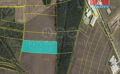 Prodej pole 17646m², Chvatěruby, okres Mělník
