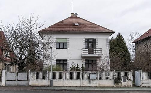 Prodej domu s pozemkem 753 m², Praha 9 - Kbely