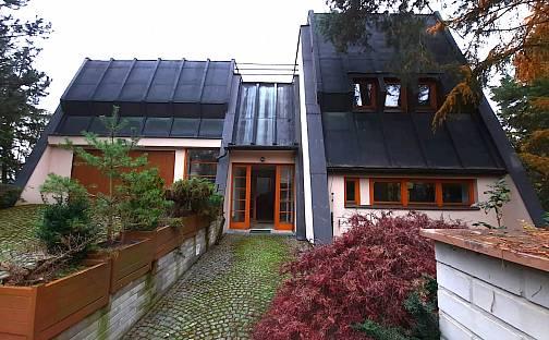 Prodej vily 372 m² s pozemkem 963 m², Nové dvory, Praha 9 - Klánovice