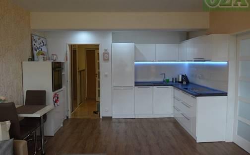 Pronájem bytu 2+kk, 47 m², Dubová, Pardubice - Svítkov