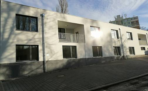 Pronájem bytu 1+kk, 26 m², U skladu, Praha 4 - Komořany