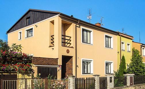 Prodej domu s pozemkem 494 m², Otokara Březiny, Znojmo