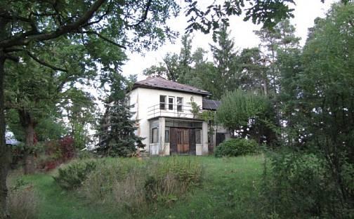 Prodej domu 100 m² s pozemkem 6460 m², Pod hřbitovem, Dobříš