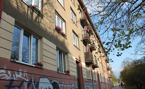 Pronájem bytu 2+1 57m², Průběžná, Praha 10 - Strašnice