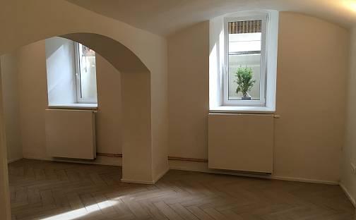 Pronájem bytu 1+kk 40m², Březinova, Praha 8 - Karlín