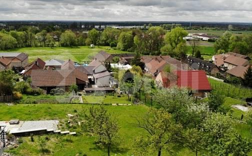 Prodej stavebního pozemku 880m², Na Chaloupkách, Všetaty - Přívory, okres Mělník
