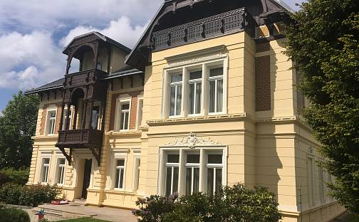 Prodej vily 870 m² s pozemkem 1702 m², Karla Čapka, Teplice