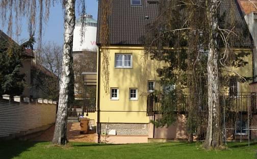 Prodej domu s pozemkem 864 m², Kladno, okres Praha-západ